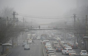 960x614_circulation-automobile-et-pollution-a-pekin-le-26-decembre-2015